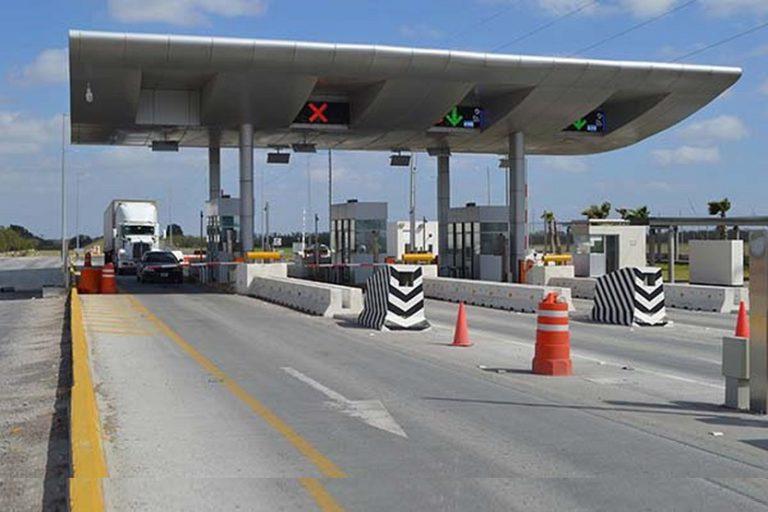 Autopista de peaje camiones