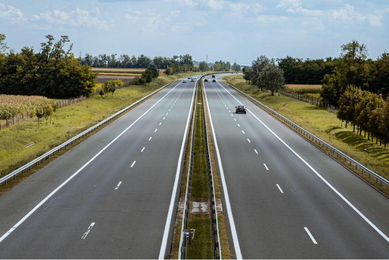 Autopista telepeaje Via T Bip&Drive (Nagy Szabi Unsplash)