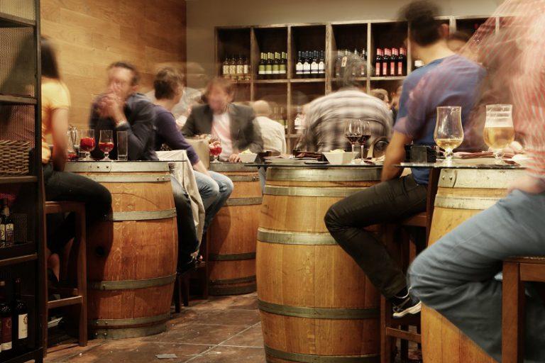 Bar bares