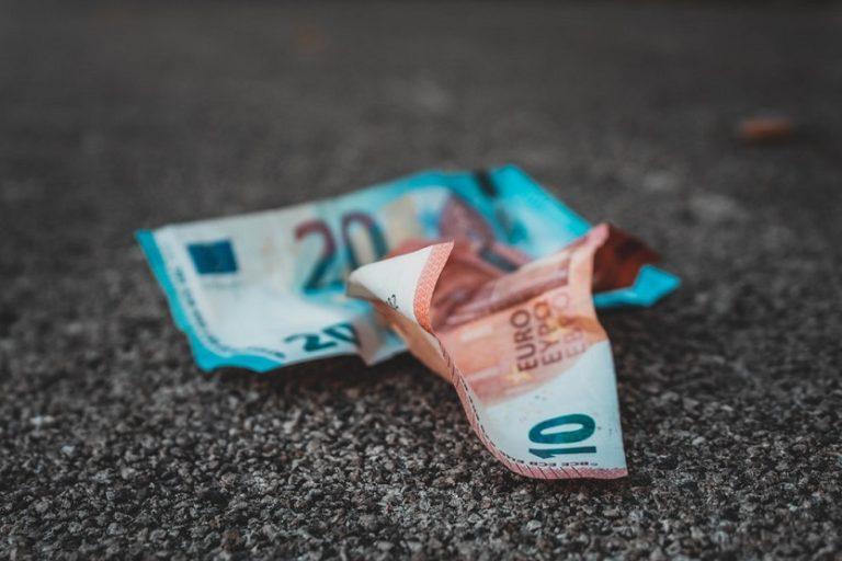Billete roto de 10 euros