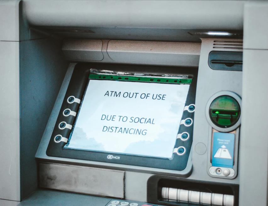Cajero automático ATM (Hello I´m Nik Unsplash)