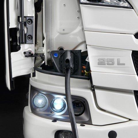 Camión eléctrico Scania carga frontal