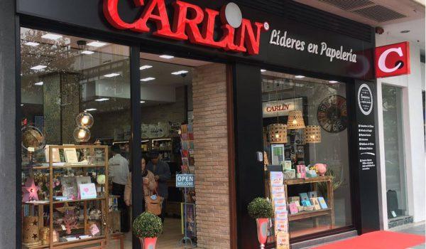 Devolución de una compra en una papelería Carlin