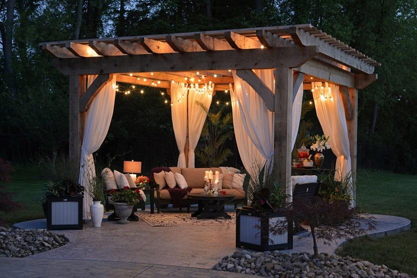 Caseta de jardin de noche