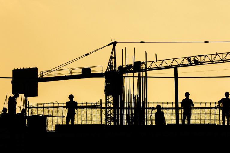 Construcción obras trabajadores (Shivendu Shukla Unsplash)