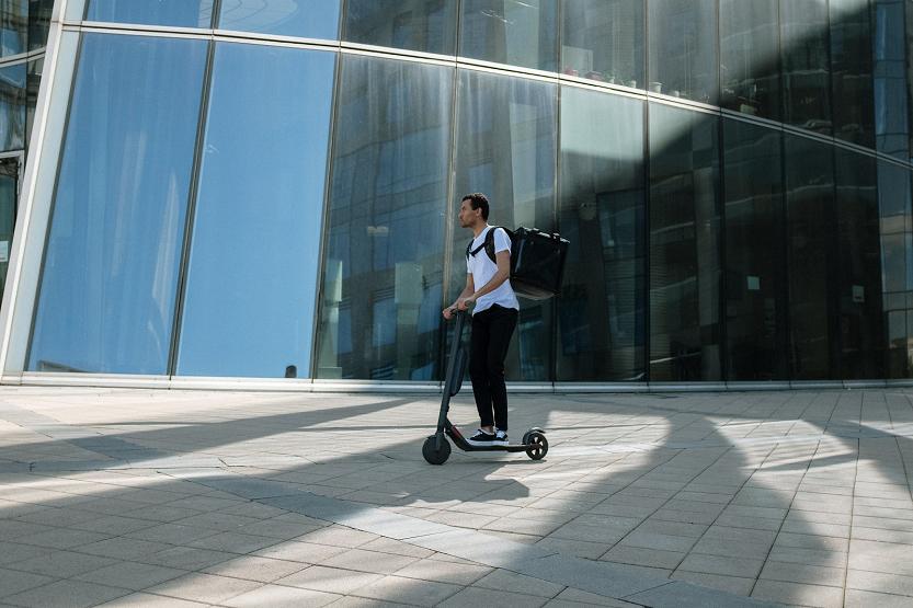 Olvídate del tráfico mañanero con un patinete eléctrico
