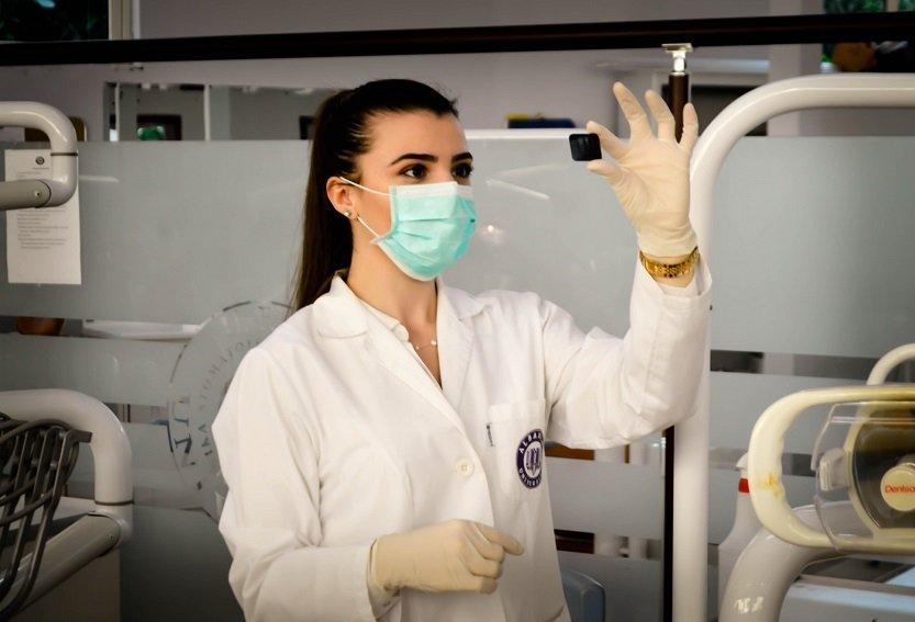 Por qué estudiar un máster en enfermería merece mucho la pena