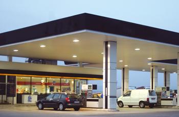 Varapalo a las gasolineras desatendidas en Extremadura