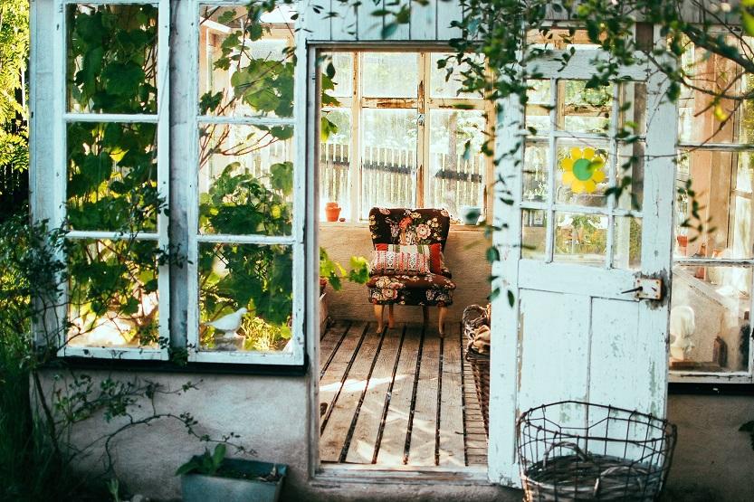 Cómo construir una caseta de jardín original