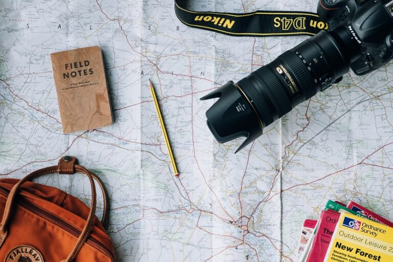 Mapa de un viaje (Annie Spratt Unsplash)