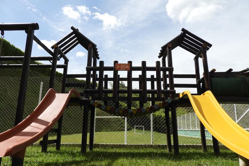 Parques infantiles en Galicia: requisitos de seguridad