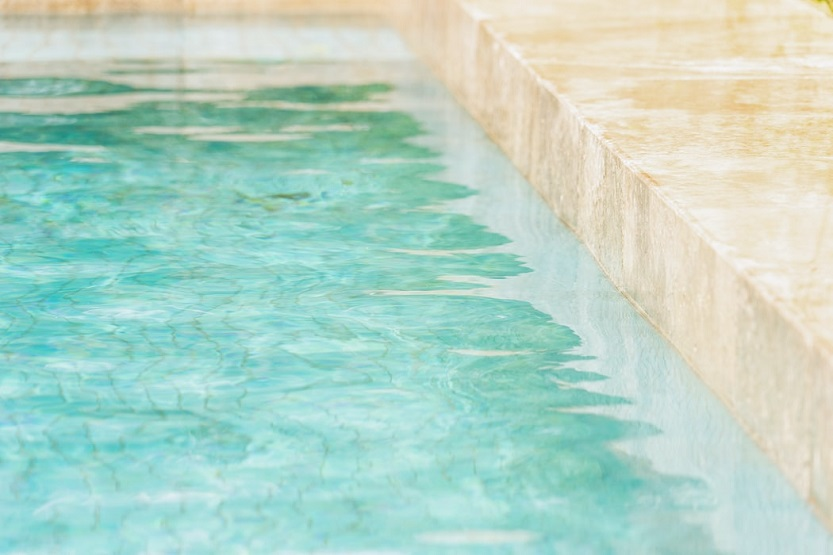 ¿Por qué reparar piscinas de liner con la lámina armada?