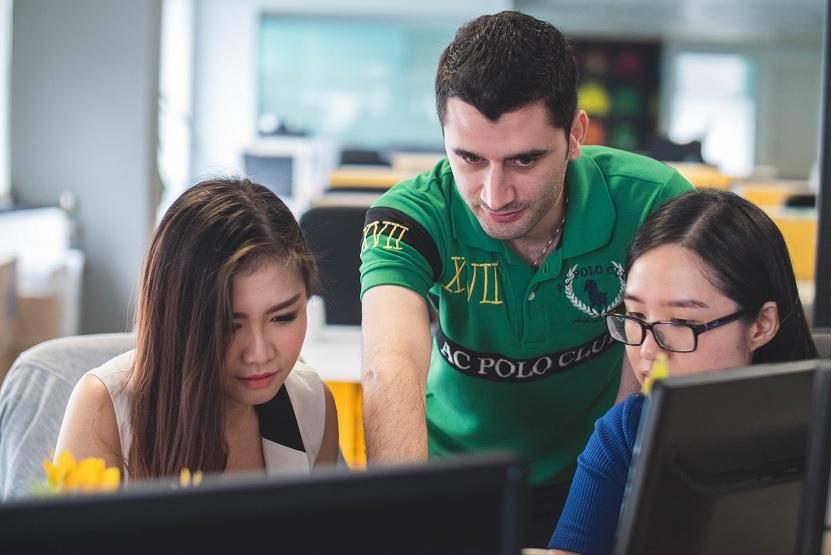 Consejos antes de contratar un curso de idiomas en el extranjero