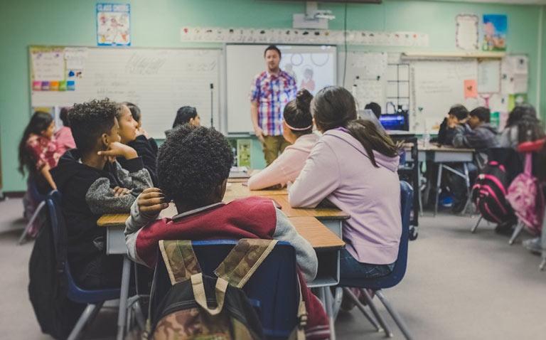 Cómo actuar ante agresiones a profesores y personal no docente