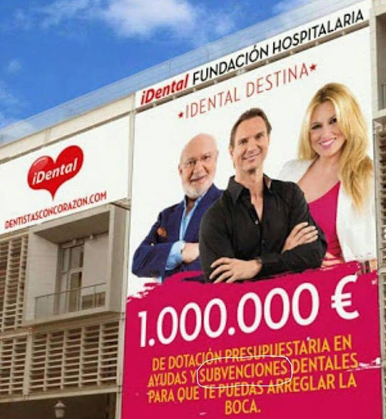 Publicidad de iDental en una clínica de Valencia