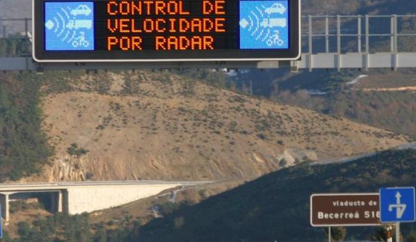 El margen de error de un radar móvil estático es del 5% y no del 7%