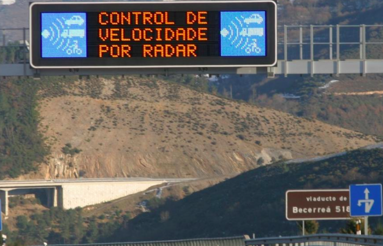 Radar de trafico fijo