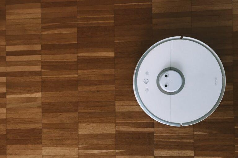 Robot aspirador (Jan Antonin Kolar Unsplash)