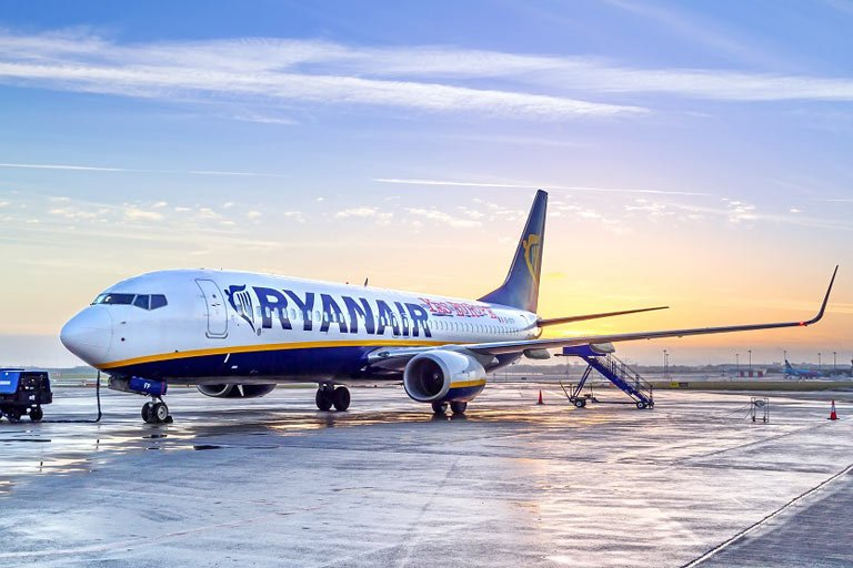 La compañía aérea debe indemnizar a un cliente por la cancelación de un vuelo