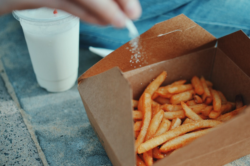 Riesgos del exceso de sal en la alimentación humana