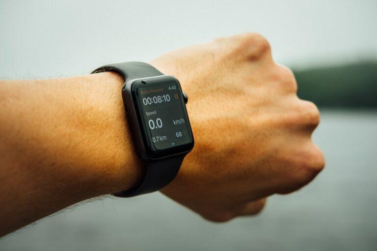 Smartwatch (Tim Foster Unsplash)