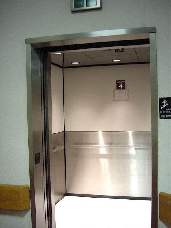 Nuevos plazos para la revisión de los ascensores en las comunidades de vecinos en Euskadi