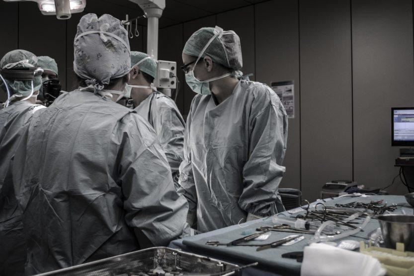 Cirugía plástica: operaciones cubiertas por la Seguridad Social